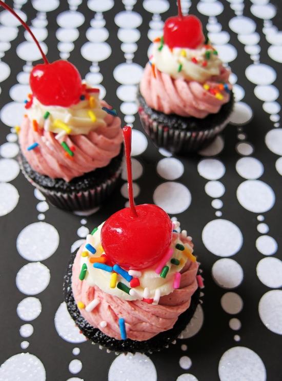 Neapolitan Cupcakes 1
