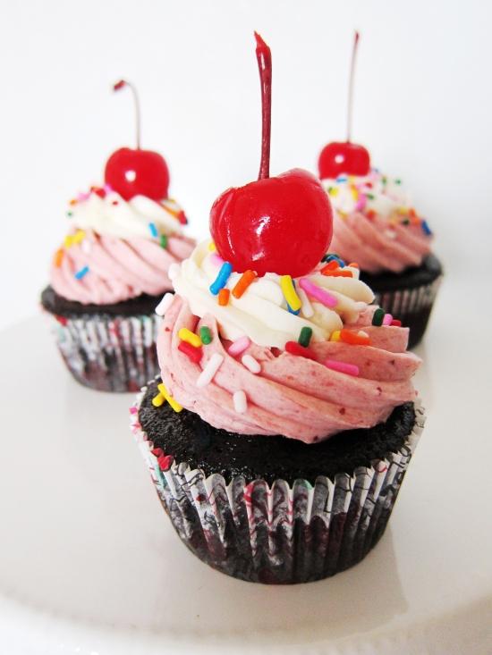 Neapolitan Cupcakes 2
