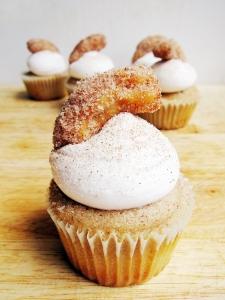 churro cupcake 1