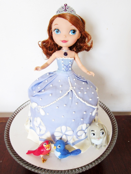 sofia the first doll cake 1