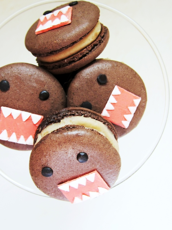 Domo Macarons (Chocolate Chestnut Macarons) 3