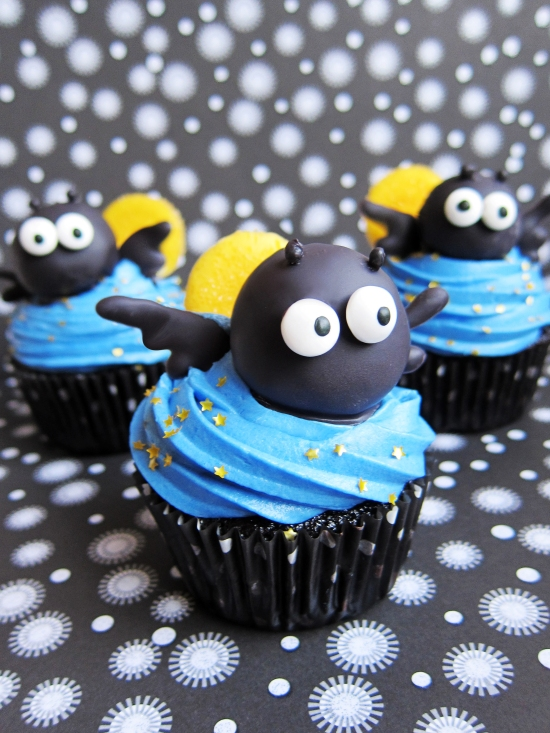 Cute Halloween Bat Cupcakes