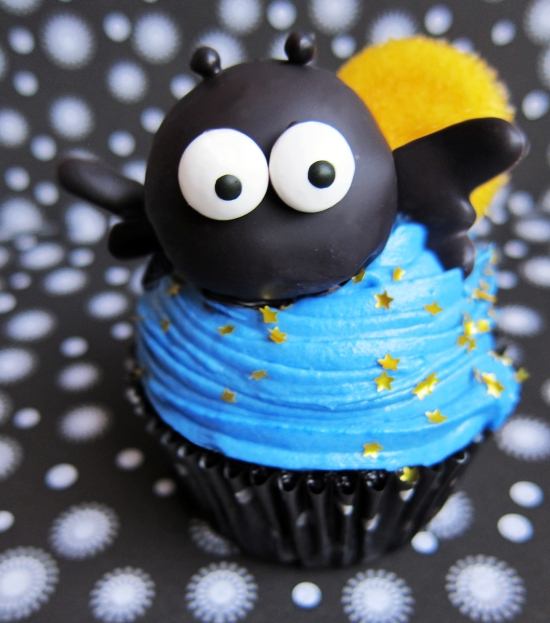 Cute Halloween Bat Cupcakes 3