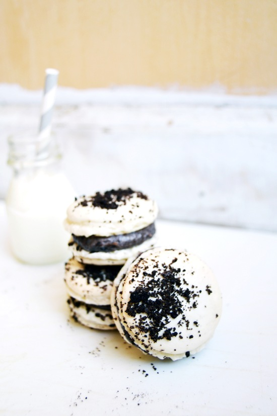 Cookies and Cream Macarons 3