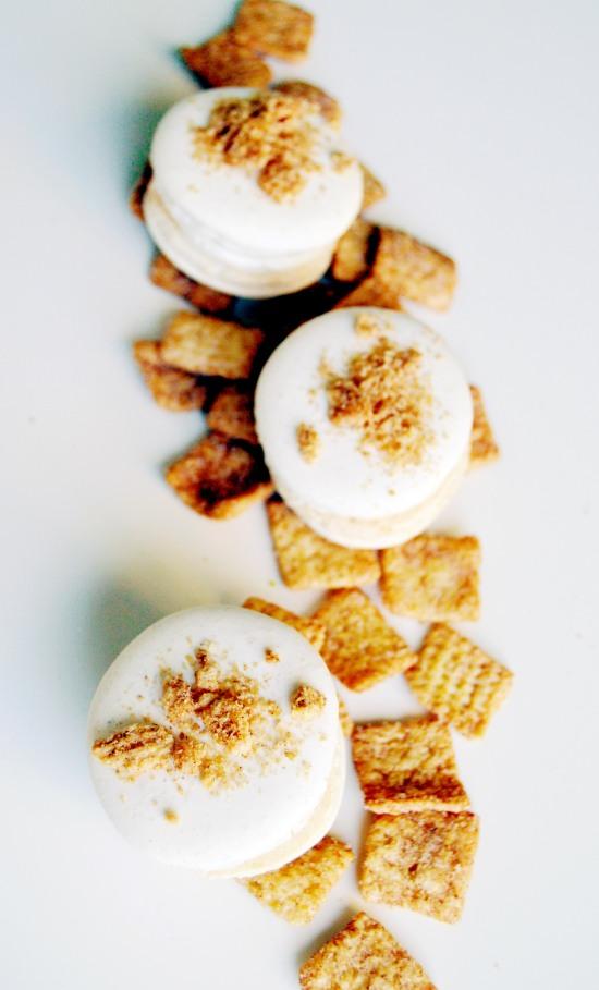 cinnamon toast crunch macaron