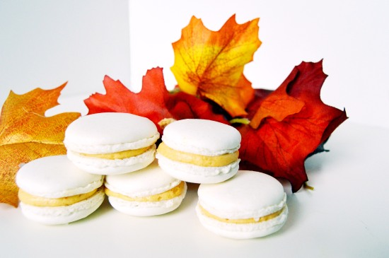 pumpkin cookie butter macarons