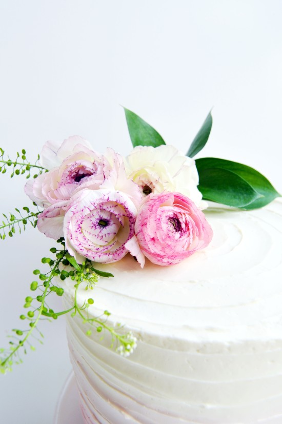 ranunculus flowers on cake