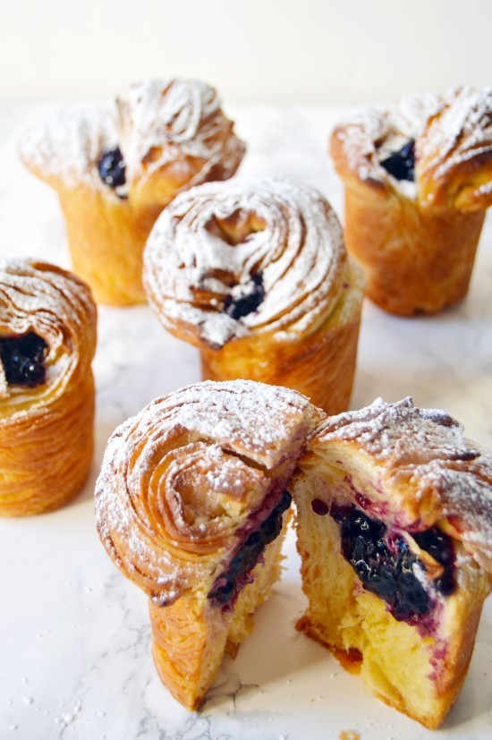 blueberry cruffin